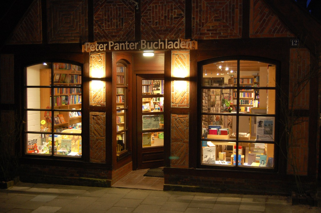 Präsenzbestand im Peter Panter Buchladen im Exil
